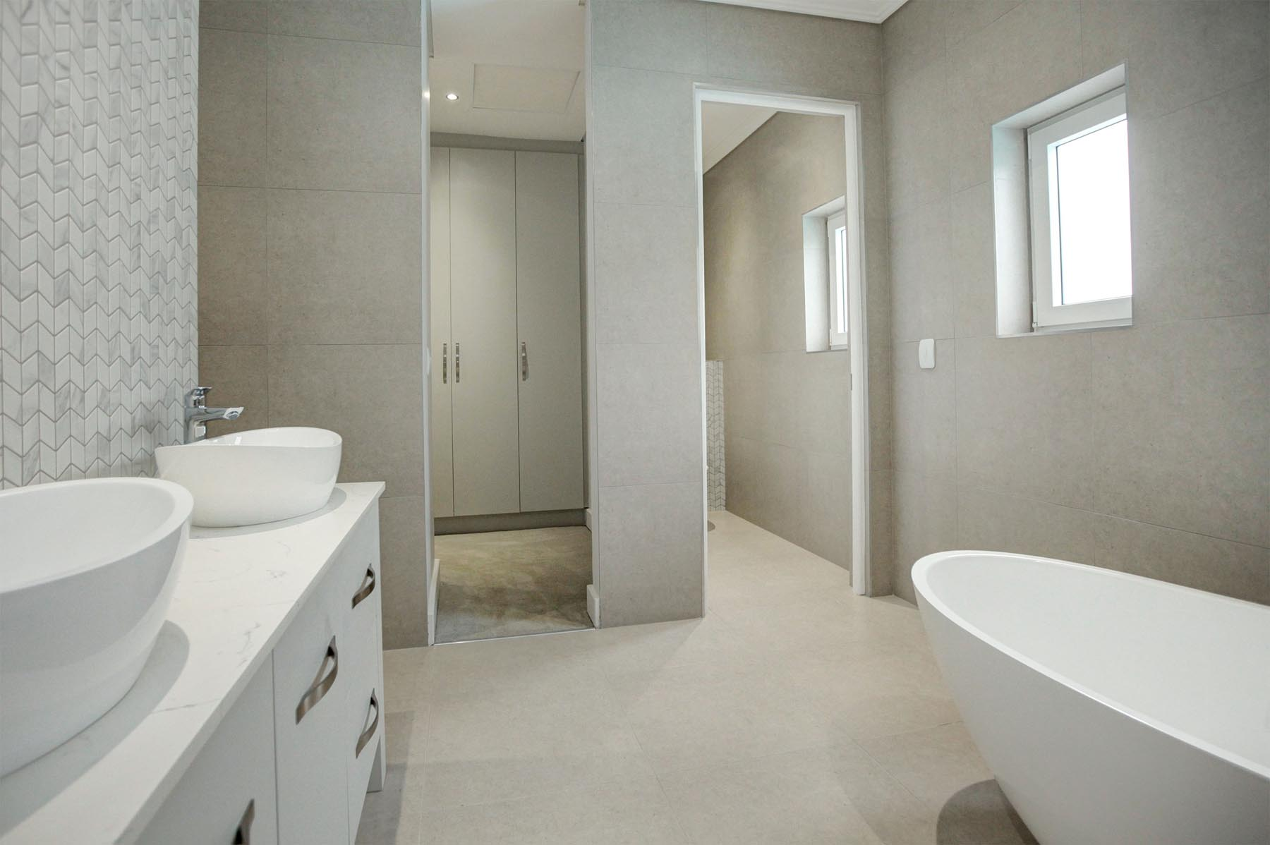 11 En-suite and dressing area