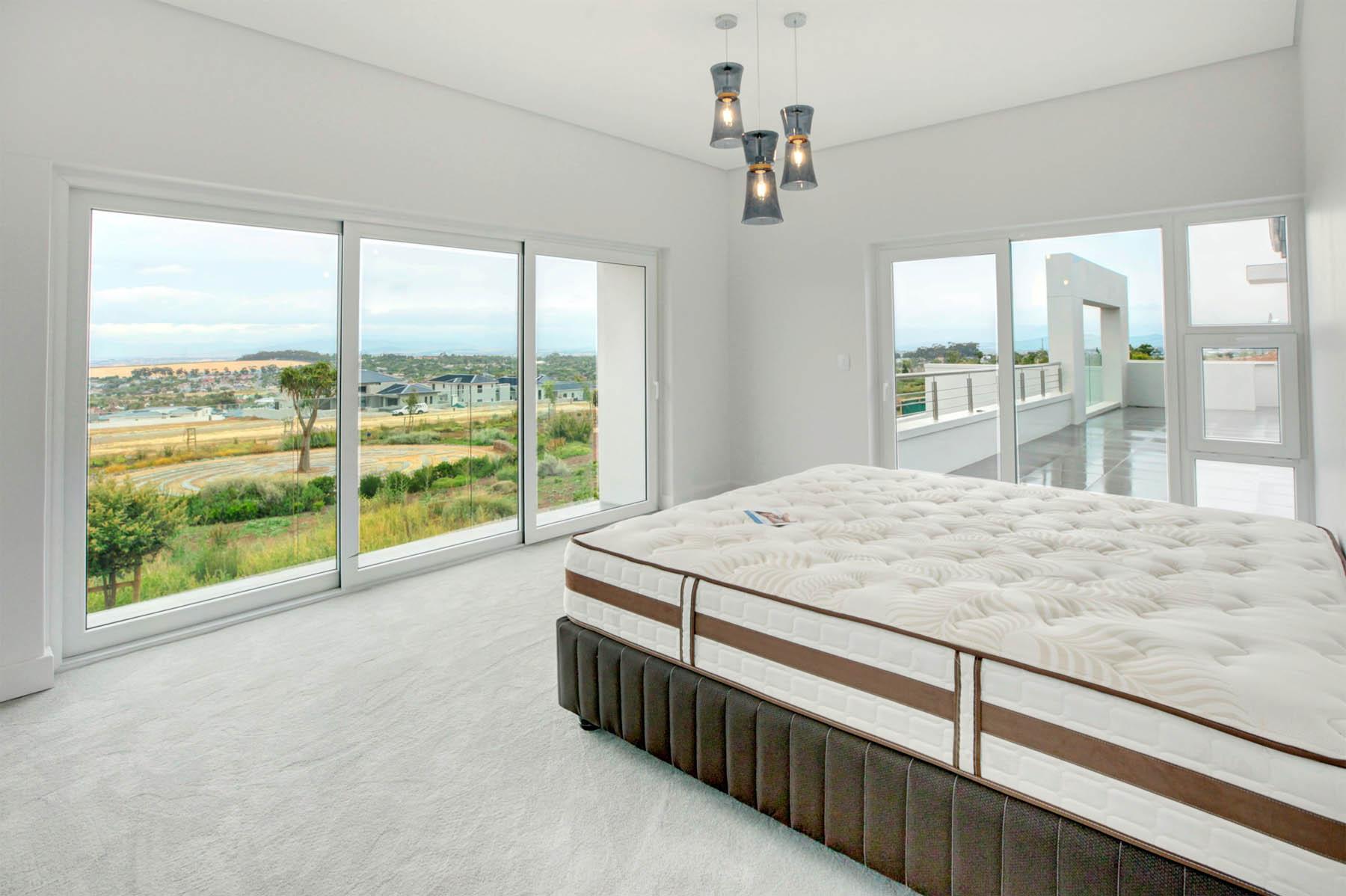 8 Main Bedroom